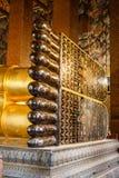 Ο ξαπλώνοντας χρυσός Βούδας στο ναό Wat Pho στη Μπανγκόκ στοκ φωτογραφία