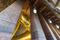 Ο ξαπλώνοντας Βούδας από Wat Pho, ναός του ξαπλώνοντας Βούδα, Μπανγκόκ, Ταϊλάνδη Στοκ εικόνες με δικαίωμα ελεύθερης χρήσης