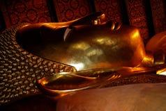 Ο ξαπλώνοντας Βούδας, ναός Wat Po, Μπανγκόκ Στοκ φωτογραφία με δικαίωμα ελεύθερης χρήσης
