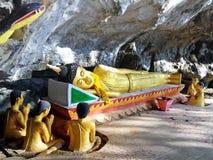 Ο ξαπλώνοντας Βούδας - σπηλιά ελεφάντων Στοκ εικόνες με δικαίωμα ελεύθερης χρήσης