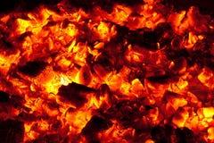 ο ξυλάνθρακας σιγοκαί&epsilon Στοκ Φωτογραφία