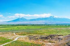 Ο ξύστης Ararat τοποθετεί από το μοναστήρι Khor Virap Στοκ Εικόνες