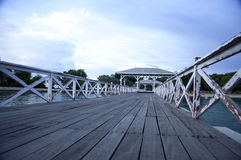Ο ξύλινος λιμενοβραχίονας σε Srichang Στοκ φωτογραφίες με δικαίωμα ελεύθερης χρήσης
