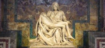 Ο οίκτος: Αριστούργημα Michelangelo στη βασιλική Αγίου Peter - δεξαμενή στοκ εικόνες
