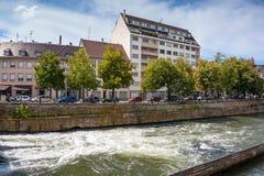 Οδοί και κανάλι νερού στο Στρασβούργο altai στοκ φωτογραφία