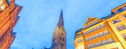 Οδοί πόλεων του Αμβούργο τη νύχτα Στοκ φωτογραφίες με δικαίωμα ελεύθερης χρήσης
