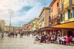 Οδοί της Βερόνα μέχρι την ημέρα Στοκ εικόνα με δικαίωμα ελεύθερης χρήσης