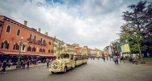Οδοί της Βερόνα μέχρι την ημέρα Στοκ φωτογραφία με δικαίωμα ελεύθερης χρήσης