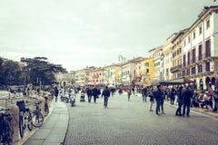Οδοί της Βερόνα μέχρι την ημέρα Στοκ Εικόνες