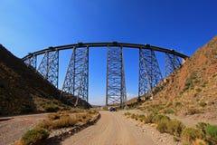 Οδογέφυρα Λα Polvorilla, Tren ένα Las Nubes, βορειοδυτικά της Αργεντινής Στοκ Φωτογραφία