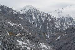 Οδογέφυρα στα βουνά Άλπεων Στοκ Εικόνες