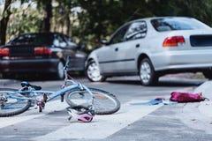 Ο οδηγός αυτοκινήτων χτύπησε το παιδί Στοκ Φωτογραφία