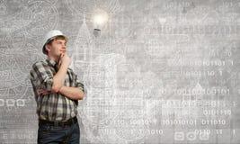 Ο οικοδόμος έχει μια ιδέα Στοκ εικόνες με δικαίωμα ελεύθερης χρήσης