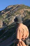 Οδοιπόρος στα βουνά Στοκ εικόνα με δικαίωμα ελεύθερης χρήσης