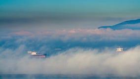 Ο ομιχλώδης το πρωί της Κυριακής στοκ εικόνα με δικαίωμα ελεύθερης χρήσης