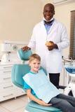 Οδοντίατρος μικρών παιδιών στοκ εικόνες με δικαίωμα ελεύθερης χρήσης