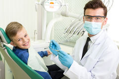οδοντίατρος στοκ εικόνες με δικαίωμα ελεύθερης χρήσης