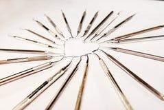 Οδοντικά όργανα στη μορφή καρδιών Στοκ εικόνα με δικαίωμα ελεύθερης χρήσης