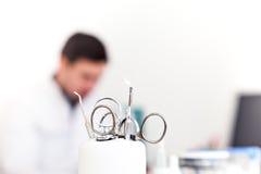 Οδοντικό γραφείο εξοπλισμού και παθολόγων Στοκ Φωτογραφίες