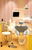 Οδοντικό γραφείο κλινικών με τον εξοπλισμό Στοκ εικόνες με δικαίωμα ελεύθερης χρήσης