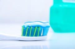 Οδοντόβουρτσα με την οδοντόπαστα Στοκ φωτογραφία με δικαίωμα ελεύθερης χρήσης