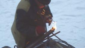 Ο οξυγονοκολλητής ενώνει στενά τα μέρη μετάλλων με τη συγκόλληση αερίου φιλμ μικρού μήκους