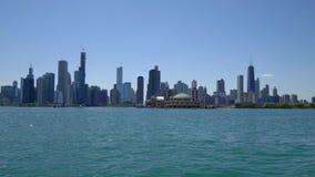 Ο ορίζοντας της άποψης του Σικάγου από τη λίμνη Μίτσιγκαν φιλμ μικρού μήκους