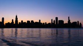 Ο ορίζοντας του Σικάγου στο ηλιοβασίλεμα - ΣΙΚΑΓΟ, ΗΠΑ - 12 ΙΟΥΝΊΟΥ 2019 στοκ εικόνες