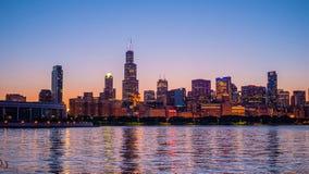 Ο ορίζοντας του Σικάγου στο ηλιοβασίλεμα - ΣΙΚΑΓΟ, ΗΠΑ - 12 ΙΟΥΝΊΟΥ 2019 στοκ φωτογραφία με δικαίωμα ελεύθερης χρήσης