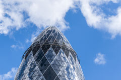 Ο ουρανοξύστης Λονδίνο Αγγλία Ηνωμένο Βασίλειο αγγουριών Στοκ Εικόνα