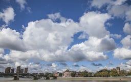 Ο ουρανός επάνω από το Λονδίνο Στοκ Φωτογραφία