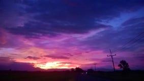 Ο ουρανός και νεφελώδης στο λυκόφως Στοκ Εικόνα