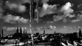 Ο ουρανός οράματος σκηνής εικόνων άποψης πόλεων panoram το χειμερινό sunsine χωρών Στοκ Εικόνες