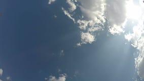 """Ο ουρανός ουρανού ανωτέρω, Ï""""Î¿ χρονικό σφάλμα της κίνησης των σύννεφων Î απόθεμα βίντεο"""