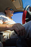 Ο οδηγός στο αυτοκίνητο Στοκ φωτογραφία με δικαίωμα ελεύθερης χρήσης