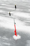 ο πάγος αλιείας ψαριών βρίσκεται ακριβώς παγιδευμένος transbaikalia χειμώνας της Ρωσίας Στοκ Εικόνα