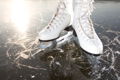 ο πάγος κάνει πατινάζ ήλιος ευρέως στοκ φωτογραφία με δικαίωμα ελεύθερης χρήσης