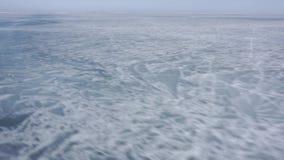 Ο πάγος μιας παγωμένης λίμνης baikal λίμνη φιλμ μικρού μήκους