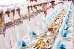 Ο πίνακας έθεσε για το γάμο ή άλλος εξυπηρέτησε το γεύμα γεγονότος Στοκ Φωτογραφίες