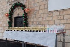 Ο πίνακας με τα βραβεία για τους συμμετέχοντες της ετήσιας φυλής ` Cristmas τρέχει ` σε Mi ilya ` στο Ισραήλ Στοκ φωτογραφία με δικαίωμα ελεύθερης χρήσης