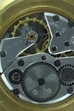 Ο παλαιός μηχανισμός ανοξείδωτου και χαλκού του ρολογιού χεριών στοκ εικόνες με δικαίωμα ελεύθερης χρήσης