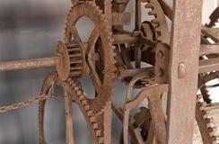 Ο παλαιός μηχανισμός ενός μεγάλου ρολογιού πύργων Στοκ φωτογραφίες με δικαίωμα ελεύθερης χρήσης