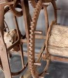 Ο παλαιός μηχανισμός ενός μεγάλου ρολογιού πύργων Στοκ εικόνα με δικαίωμα ελεύθερης χρήσης