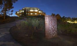 Ο παράδεισος Miton ` s έχασε το βιβλίο και τη βιβλιοθήκη UCSD Σαν Ντιέγκο Καλιφόρνια γρανίτη Geisel Στοκ Εικόνες