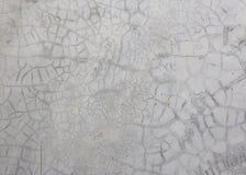 Ο παλαιός γκρίζος τοίχος έσπασε το σκυρόδεμα Στοκ Εικόνες