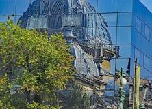 Ο παλαιός που απεικονίζεται στο νέο Στοκ Εικόνα