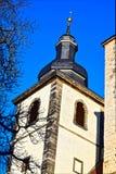 Ο παλαιός πύργος πετρών ενός γοτθικού καθεδρικού ναού Στοκ εικόνα με δικαίωμα ελεύθερης χρήσης