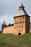 Ο παλαιός πύργος Spasskaya, ημέρα άνοιξη Novgorod Detinets, Ρωσία Στοκ Εικόνες
