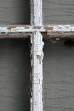 Ο παλαιός τραχύς άσπρος σταυρός Στοκ Εικόνες