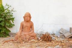 Ο παλαιός φορεμένος Βούδας στοκ εικόνα